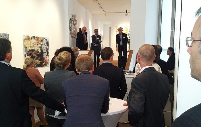 Diskussion im künstlerischen Rahmen der Berliner Galerie Art Box!